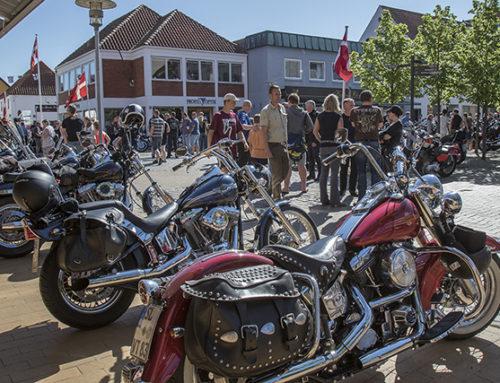 320 Harleyer på Torvet i Gråsten