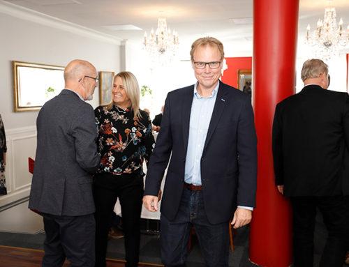 Uddeler Jesper Thomsen hyldet