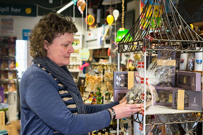 Karen Füchsel glæder sig til at byde på forskellige smagsprøver på Kvindemessen. Foto Lene Neumann Jepsen