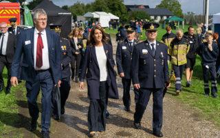I flere timer besøgte Prinsesse Marie landsstævnet. Hun blev ledsaget af borgmester Erik Lauritzen og flere officielle fra beredskabet. Foto Lene Neumann Jepsen