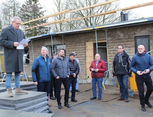 Rejsegilde på nye huse i Kruså